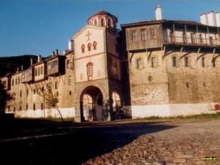 Der Eingang ins Kloster